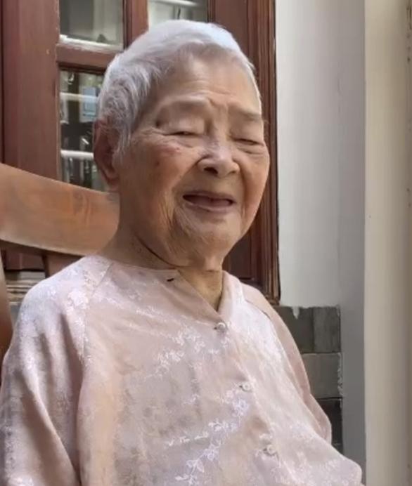 TP.HCM: Cụ bà 110 tuổi hồi sinh ngoạn mục sau 9 ngày điều trị COVID-19 - Ảnh 2.