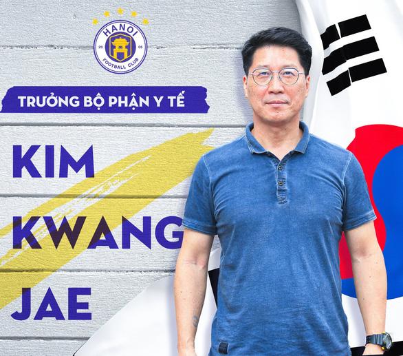 Ông Kim Kwang Jae đảm nhiệm trưởng bộ phận y tế CLB Hà Nội - Ảnh 1.