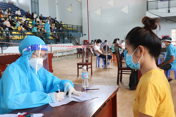 TP.HCM đề nghị cung cấp số người chưa tiêm vắc xin mũi 1 trước 18-9 - Ảnh 1.