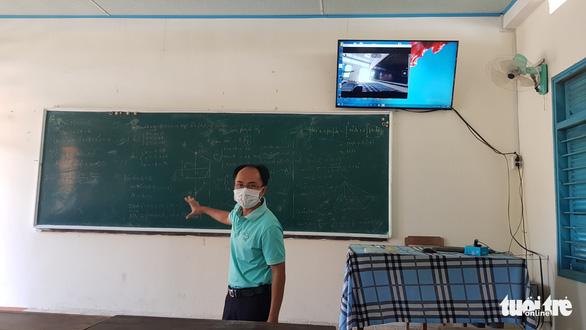 An Giang có trên 78.000 học sinh không có điều kiện học trực tuyến - Ảnh 2.