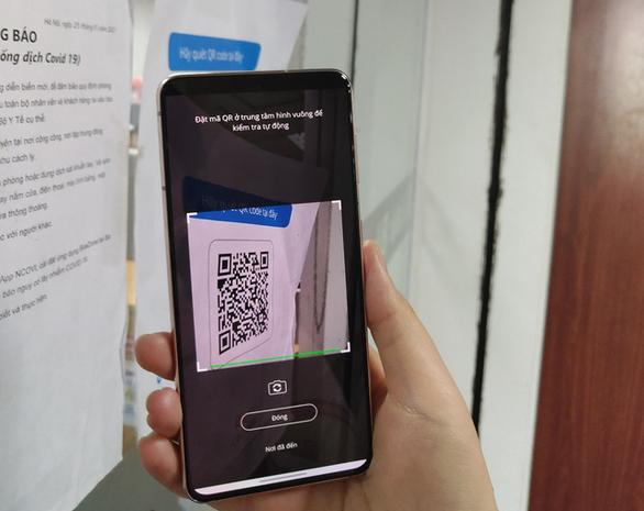 Mở cửa nhà hàng, quán ăn ở Hà Nội: Bắt buộc phải quét mã QR của khách - Ảnh 1.