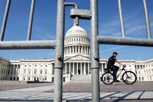 Thủ đô Mỹ siết an ninh vì người ủng hộ ông Trump sắp đổ về - Ảnh 2.