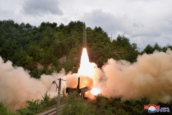 Bình Nhưỡng chỉ trích Mỹ hai mặt khi phản đối Triều Tiên thử nghiệm tên lửa - Ảnh 1.