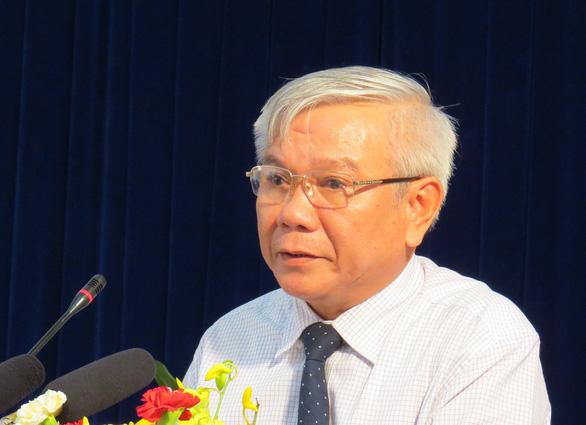 Khởi tố, bắt tạm giam cựu giám đốc Sở Xây dựng Khánh Hòa Lê Văn Dẽ - Ảnh 1.