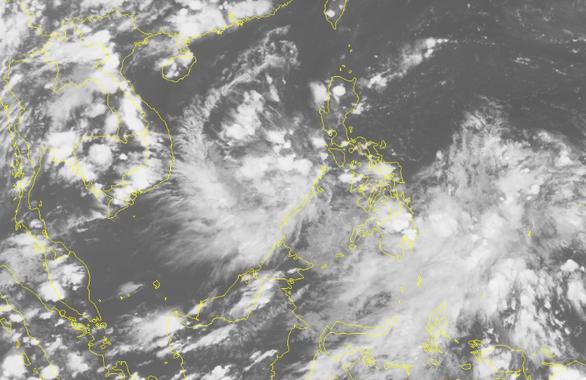 Biển Đông có thể xuất hiện áp thấp nhiệt đới cuối tuần này - Ảnh 1.