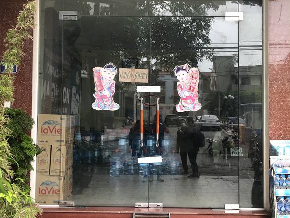 Bé gái 6 tuổi ở Hà Nội tử vong trước khi vào bệnh viện, yêu cầu điều tra - Ảnh 2.