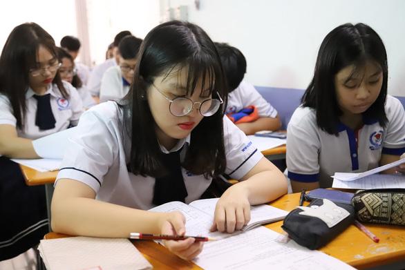 Trường CĐ Quốc tế TP.HCM miễn 100% học phí cho học sinh, sinh viên mồ côi vì COVID-19 - Ảnh 1.