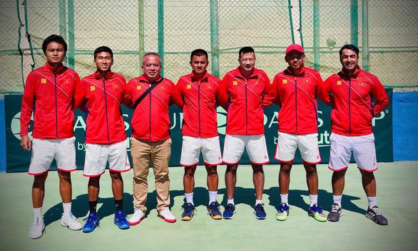 Thắng Malaysia, Việt Nam giành vé dự play-offs Davis Cup nhóm II thế giới - Ảnh 1.