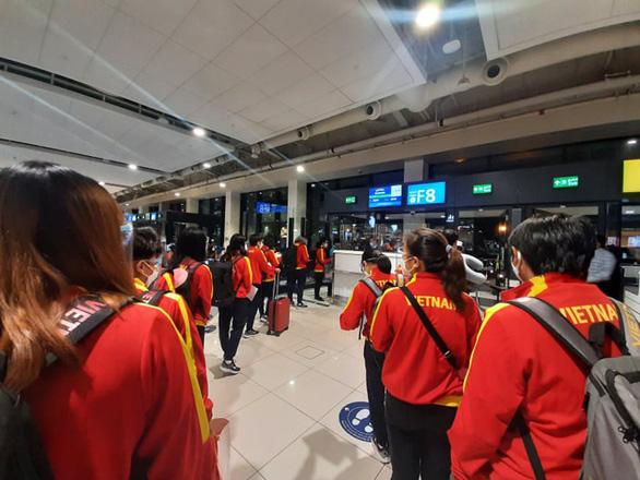 Đội tuyển nữ Việt Nam đã đặt chân đến Tajikistan, sẵn sàng cho vòng loại nữ châu Á 2022 - Ảnh 1.