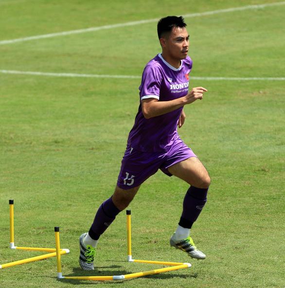 Tiền vệ Đức Huy: 'Đội tuyển Việt Nam nỗ lực giành kết quả tốt trước Trung Quốc' - Ảnh 2.