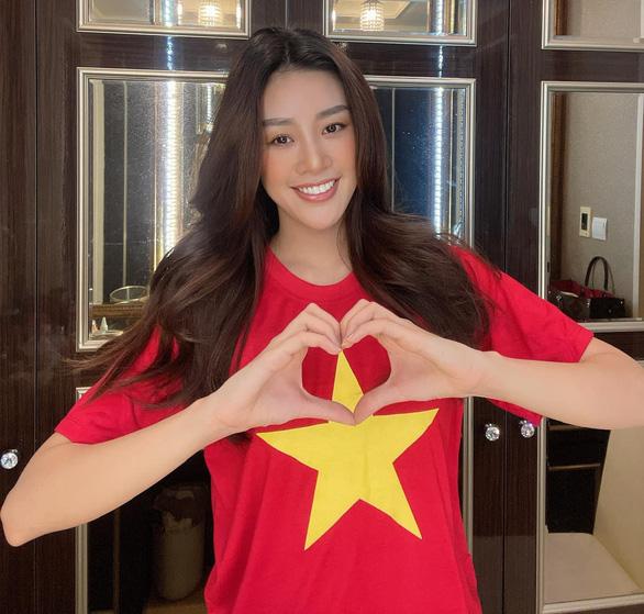 Việt Hương bức xúc vì bức hình cắt ghép cô khóc lóc bên ảnh Phi Nhung - Ảnh 2.