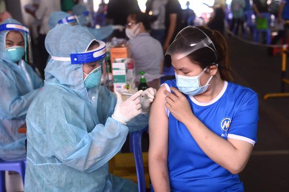 TP.HCM nhận thêm 54.700 liều vắc xin AstraZeneca - Ảnh 1.