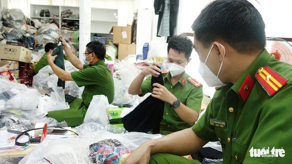 Tạm giữ trên 14.470 sản phẩm không rõ nguồn gốc và hàng hóa nhập lậu - Ảnh 1.