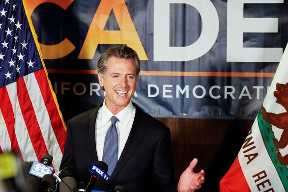Thống đốc Newsom: California có tỉ lệ nhiễm COVID-19 thấp nhất Mỹ - Ảnh 1.