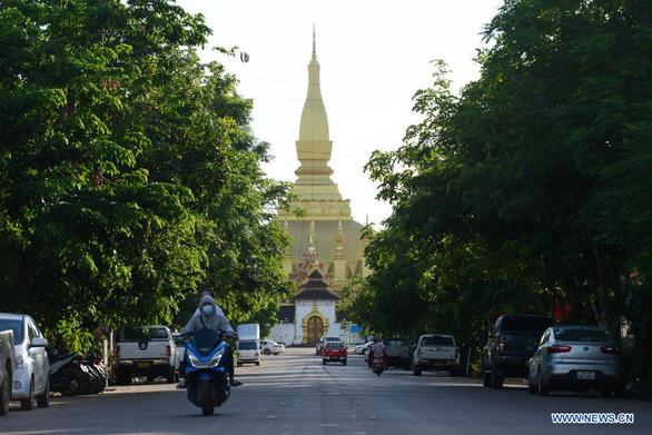 Lào phong tỏa thủ đô Vientiane vì ca COVID-19 tăng mạnh - Ảnh 1.