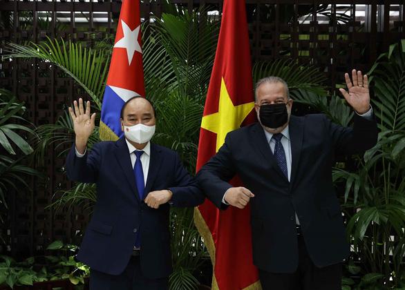 Việt Nam mong mở rộng hợp tác chuyển giao công nghệ vắc xin COVID-19 với Cuba - Ảnh 1.