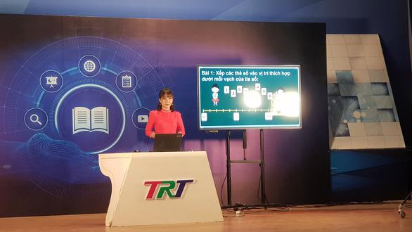 Thừa Thiên Huế cho khai giảng qua truyền hình, toàn tỉnh học trực tuyến - Ảnh 1.