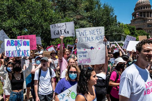 Tổng thống Mỹ lên án luật cấm phá thai hà khắc ở Texas - Ảnh 1.