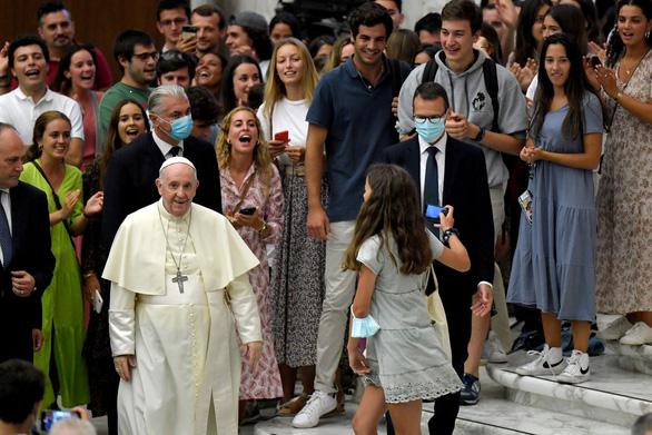 Đức Giáo hoàng bác bỏ tin đồn thoái vị vì sức khỏe - Ảnh 1.