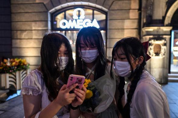 Trung Quốc cấm chương trình tìm kiếm tài năng, yêu cầu nam nghệ sĩ bớt ẻo lả, thô tục - Ảnh 1.
