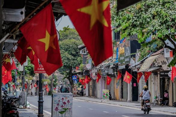 Thành ủy Hà Nội: Sau 6-9 siết chặt giãn cách 'vùng đỏ', còn lại áp dụng chỉ thị 15+ - Ảnh 1.