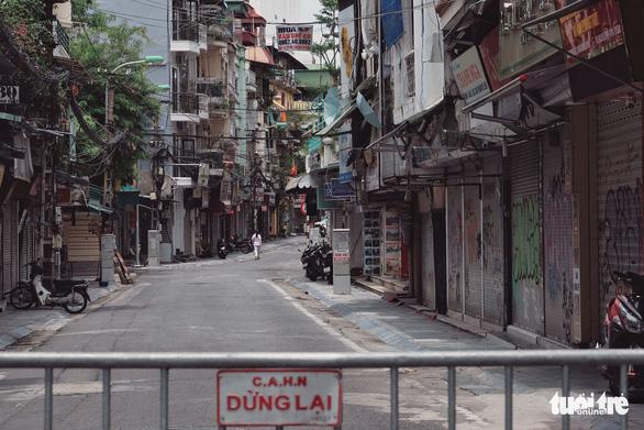 Hà Nội nếu phải tiếp tục giãn cách xã hội toàn thành phố là trả giá quá lớn - Ảnh 1.