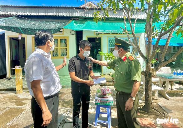 An Giang tổ chức gặp mặt, tặng 471 phần quà cho người hoàn lương tái hòa nhập cộng đồng - Ảnh 1.