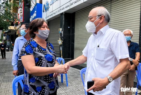 Trưởng Ban Tuyên giáo Thành ủy TP.HCM: Địa phương cần gõ cửa từng nhà thăm hỏi người dân - Ảnh 1.