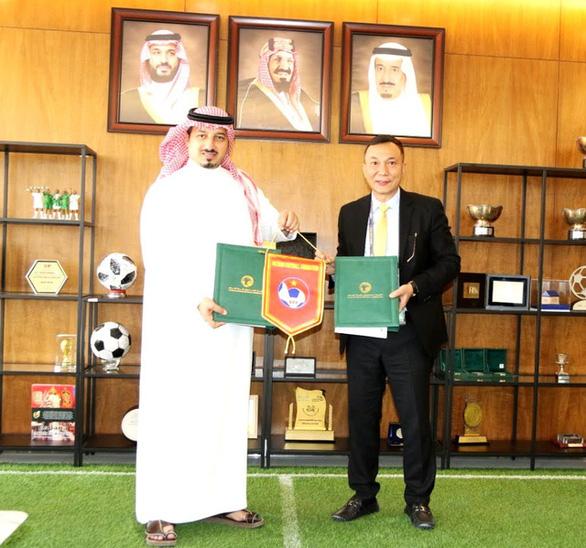 Chủ tịch Liên đoàn Bóng đá Saudi Arabia hy vọng trận đấu với Việt Nam sẽ rất hấp dẫn - Ảnh 1.
