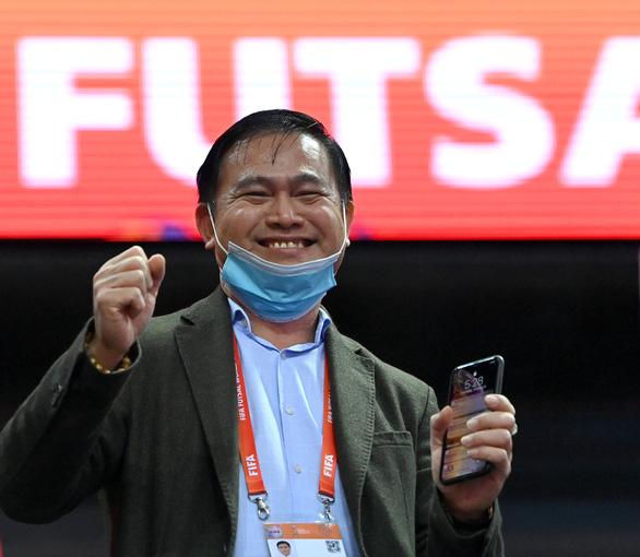 Trưởng đoàn Trần Anh Tú tiết lộ bí quyết giúp đội tuyển futsal Việt Nam tạo lập kỳ tích - Ảnh 1.