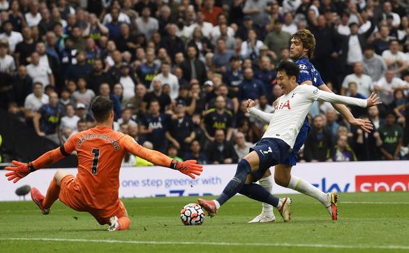 Đè bẹp Tottenham, Chelsea lên đầu bảng - Ảnh 1.