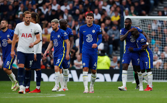 Đè bẹp Tottenham, Chelsea lên đầu bảng - Ảnh 3.