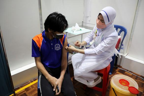 Pfizer khẳng định vắc xin hiệu quả với trẻ em 5 - 11 tuổi - Ảnh 1.