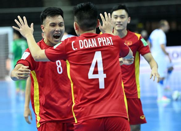 Trưởng đoàn Trần Anh Tú tiết lộ bí quyết giúp đội tuyển futsal Việt Nam tạo lập kỳ tích - Ảnh 2.
