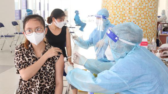 TP.HCM lại ăn đong vắc xin - Ảnh 4.