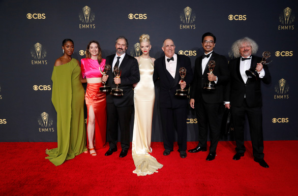 The Crown thắng áp đảo tại Emmy lần thứ 73 - Ảnh 3.