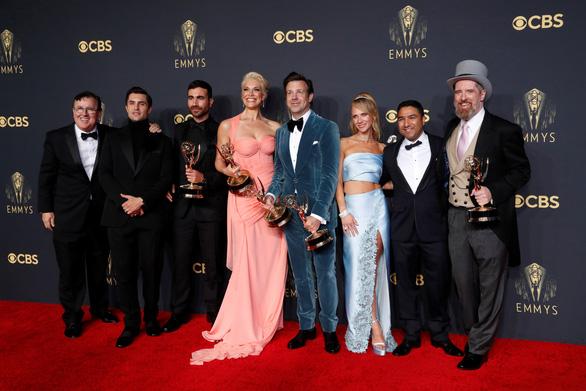 The Crown thắng áp đảo tại Emmy lần thứ 73 - Ảnh 4.