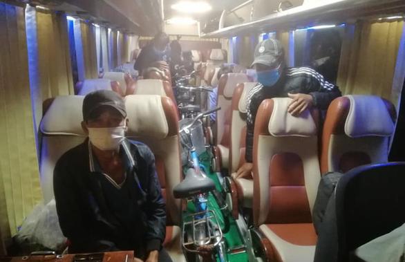 12 ngư dân đạp xe hơn 1.000km từ Nam Định về Kiên Giang, bị kẹt ở Đắk Nông - Ảnh 4.