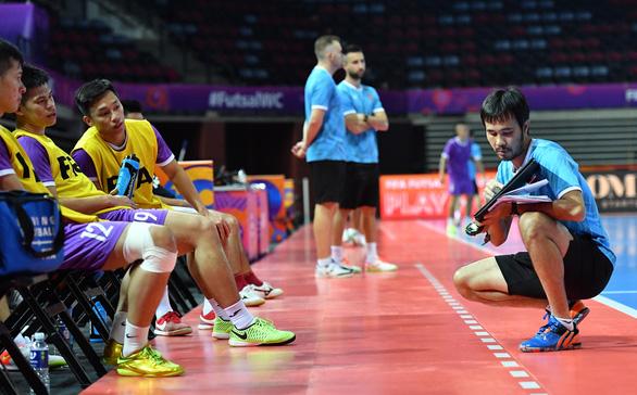 Chơi bóng để không còn câu hỏi: tuyển Futsal Việt Nam là đội nào? - Ảnh 2.