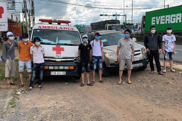 Phát hiện vụ chở lụi 6 người từ TP.HCM, Đồng Nai về Nghệ An, Hà Tĩnh bằng xe cứu thương - Ảnh 1.