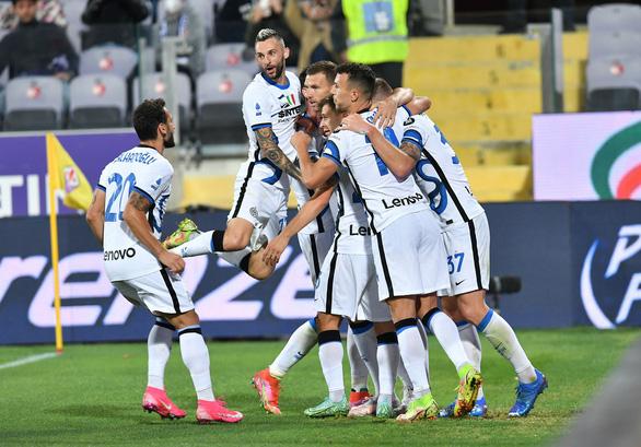 Thắng ngược Fiorentina, Inter Milan lên đầu bảng - Ảnh 3.