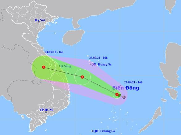 Áp thấp nhiệt đới trên Biển Đông hướng về các tỉnh Đà Nẵng - Bình Định - Ảnh 1.