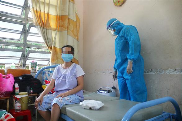 Bộ Y tế đề nghị các địa phương khẩn trương tiêm vắc xin cho phụ nữ có thai - Ảnh 1.