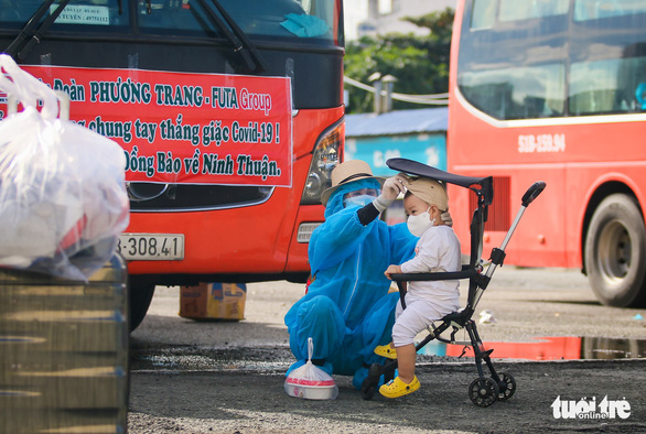 200 thai phụ, trẻ em được đưa về quê Ninh Thuận - Ảnh 5.