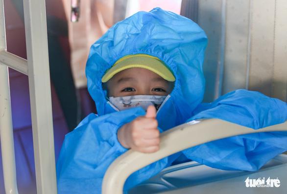 200 thai phụ, trẻ em được đưa về quê Ninh Thuận - Ảnh 8.