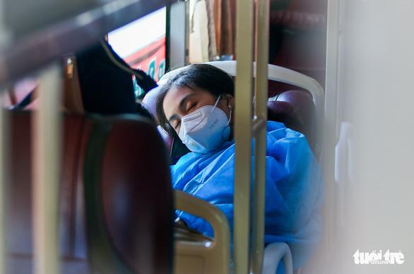 200 thai phụ, trẻ em được đưa về quê Ninh Thuận - Ảnh 6.