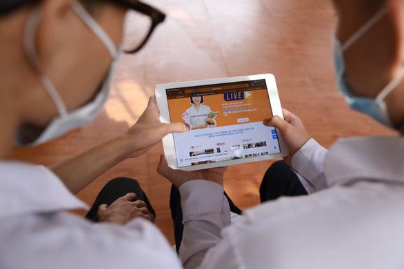 200.000 tài khoản học online trị giá 100 tỉ đồng cho học sinh hoàn cảnh khó khăn - Ảnh 1.