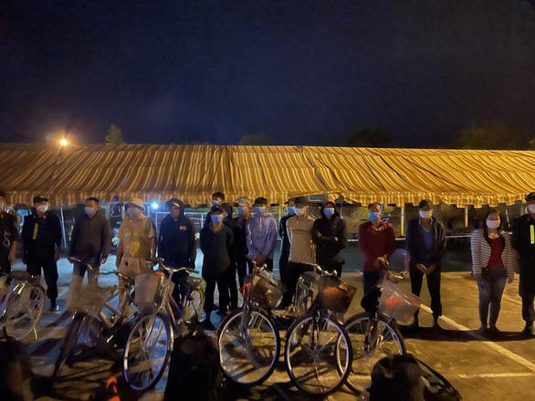 12 ngư dân đạp xe từ Nam Định về Kiên Giang, sắp được đón về quê