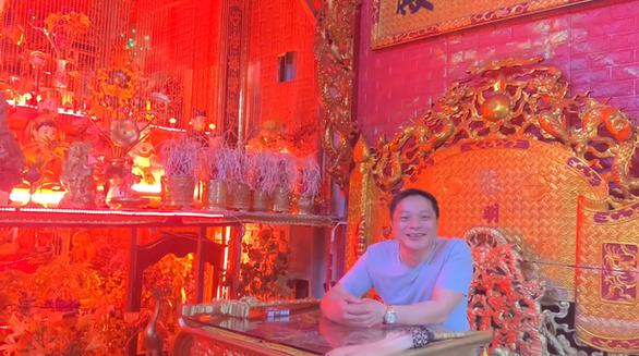 Hà Nội mời người xưng 'Ngọc hoàng đại đế' trấn yểm COVID-19 lên làm việc - Ảnh 1.