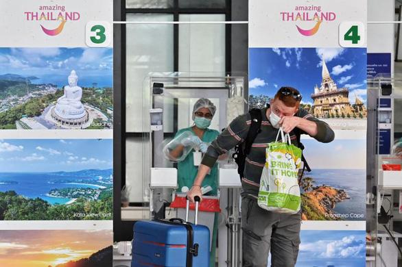 Thái Lan lùi lịch mở cửa Bangkok sang tháng 11 - Ảnh 1.